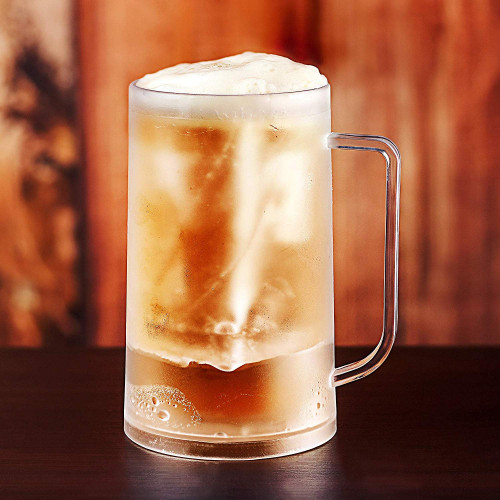 Caraffa-birra-ghiacciata-piena-