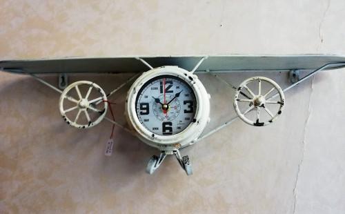 orologio-da-parete-aereo-con-mensola.jpg
